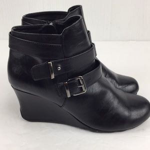 Black wedge heel vegan leather ankle boots 6.5